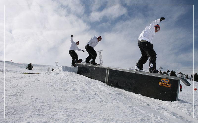 Snowboard rail grind timelapse