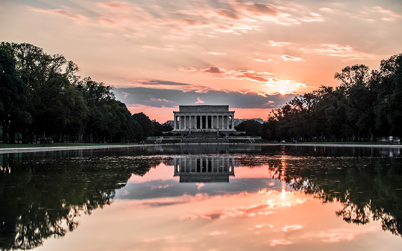 Amazing sunset over the Lincoln Memorial in Washington